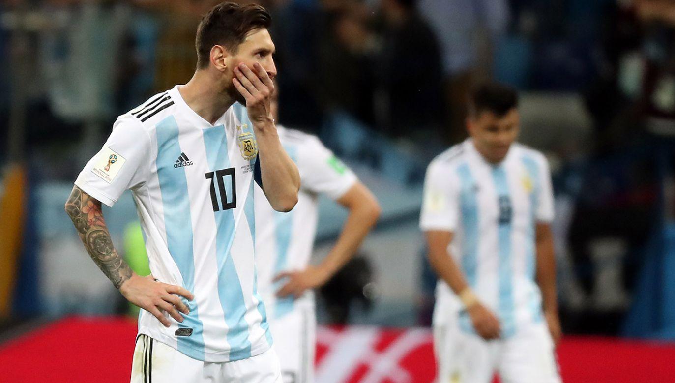 Leo Messi po przegranym meczu z Chorwacją (fot. PAP/EPA/VASSIL DONEV)