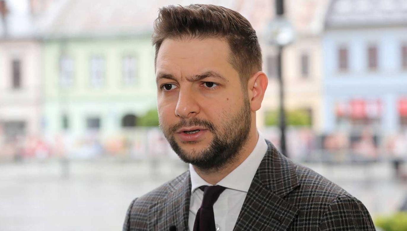 Kandydat Zjednoczonej Prawicy do Parlamentu Europejskiego Patryk Jaki (fot. PAP/Grzegorz Momot)