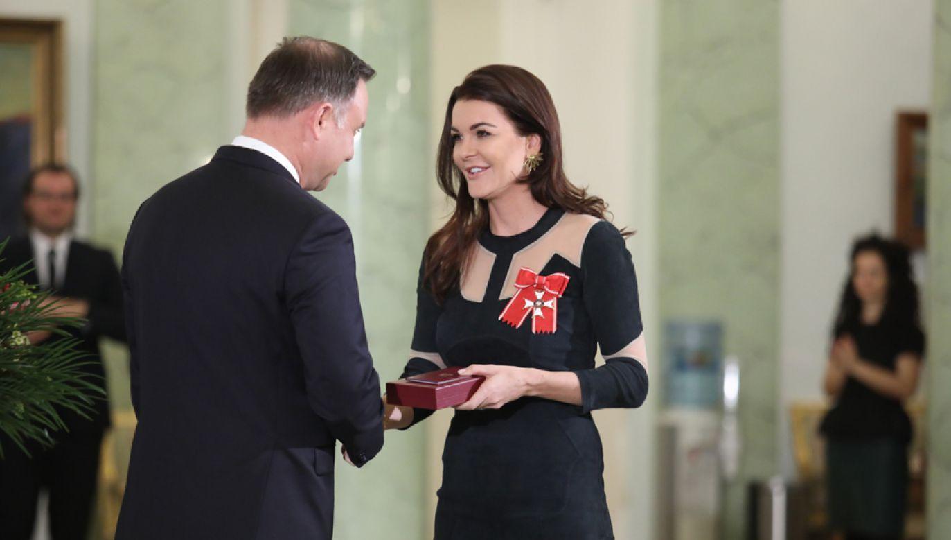Prezydent Andrzej Duda odznaczył Krzyżem Komandorskim Orderu Odrodzenia Polski tenisistkę Agnieszkę Radwańską (fot. PAP/Leszek Szymański)