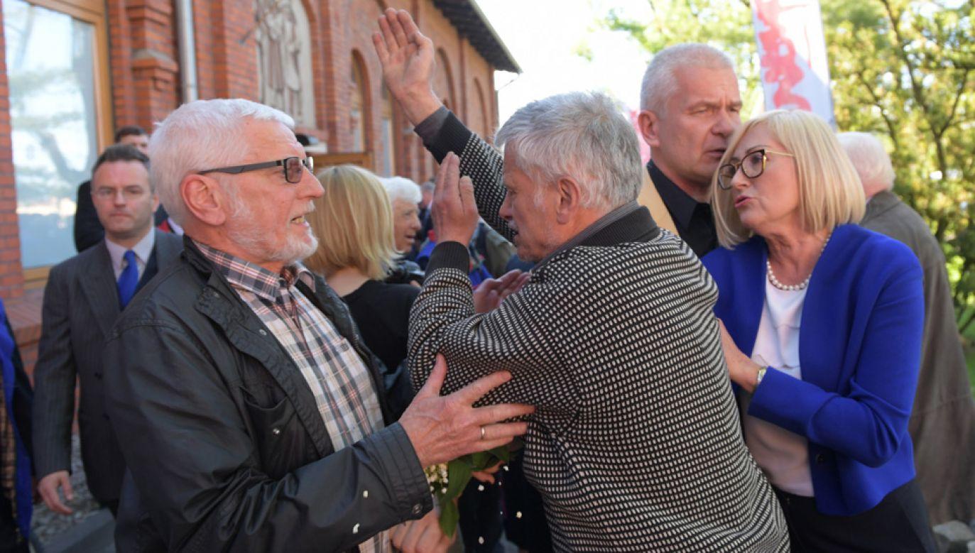 Przepychanki po spotkaniu mieszkańców Gdańska z premierem Mateuszem Morawieckim (fot. PAP/Adam Warżawa)