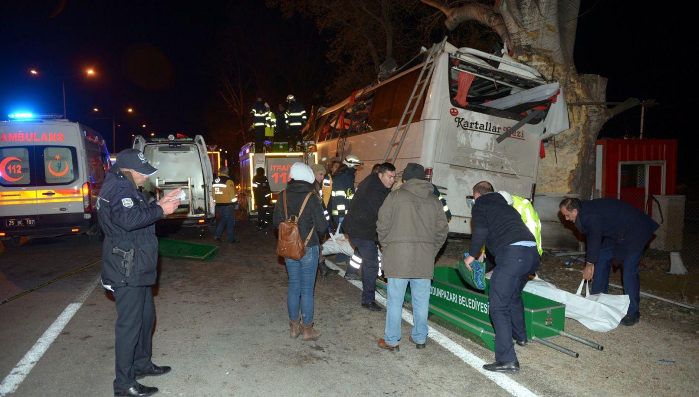 W wypadku zginęło 11 osób, a 46 zostało rannych  (EPA/EMRAH YASAR)