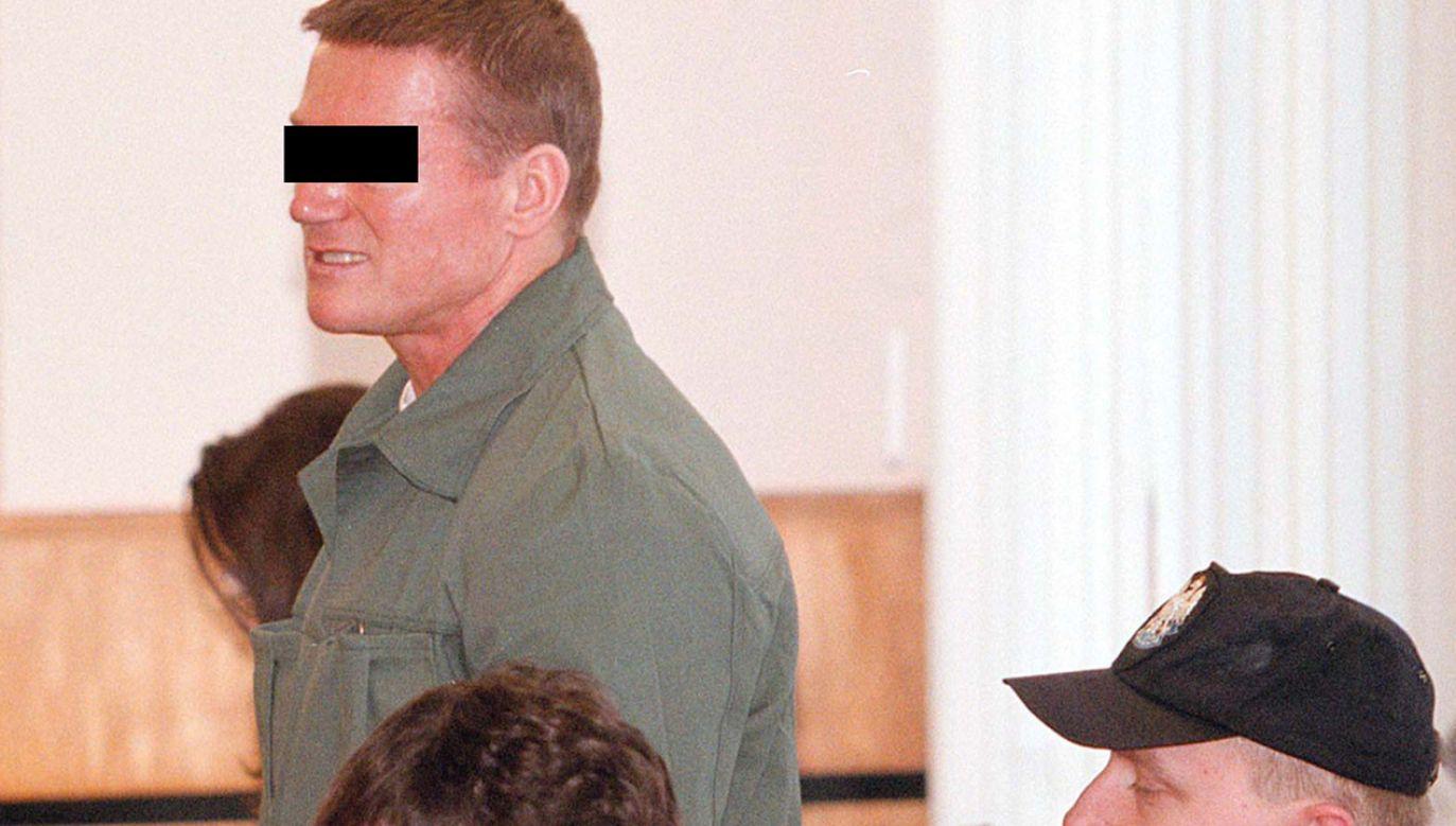 """Marek M. vel Marek K. ps. """"Oczko"""" na ławie oskarżonych w 1999 roku (fot. arch. PAP/Jerzy Undro)"""