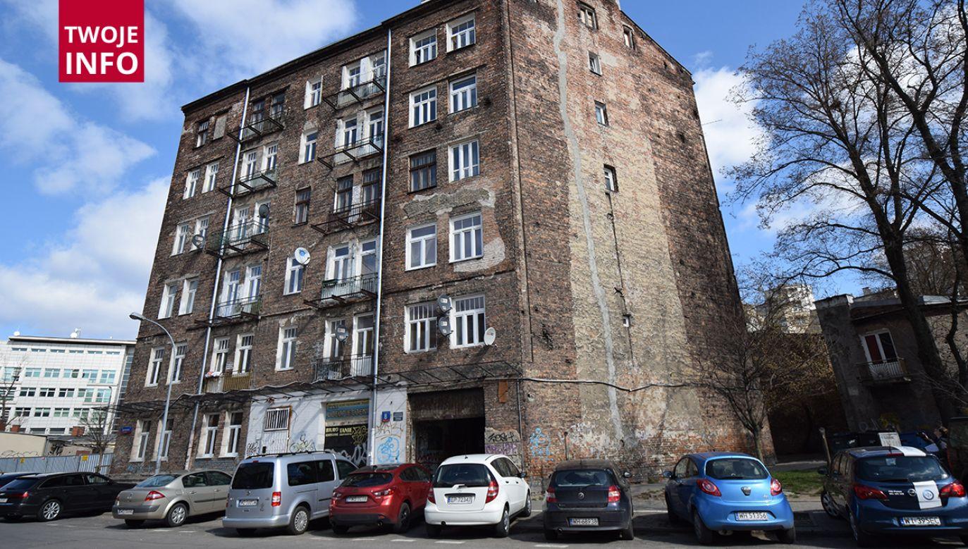 Budynek mieści się w Warszawie przy ul. Sprzecznej 8 (fot. Twoje info, mwkz)