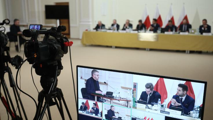 Warszawska komisja weryfikacyjna ds. reprywatyzacji (fot. PAP/Paweł Supernak)