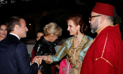 Księżna Lalla Salma, małżonka króla Maroka Mohammeda VI podczas powitania prezydenta Francji Emmanuela Macrona i jego żony w pałacu królewskim w Rabacie. Czerwiec 2017 roku. Fot. Reuters/ Abdeljalil Bounhar