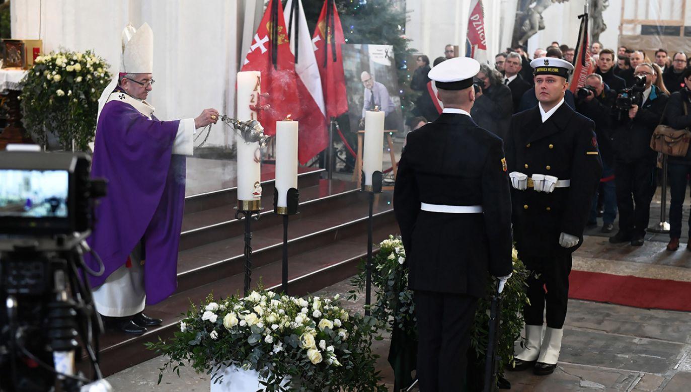 Msza pogrzebowa prezydenta miasta Pawła Adamowicza w bazylice Mariackiej w Gdańsku (fot.  PAP/Adam Warżawa)
