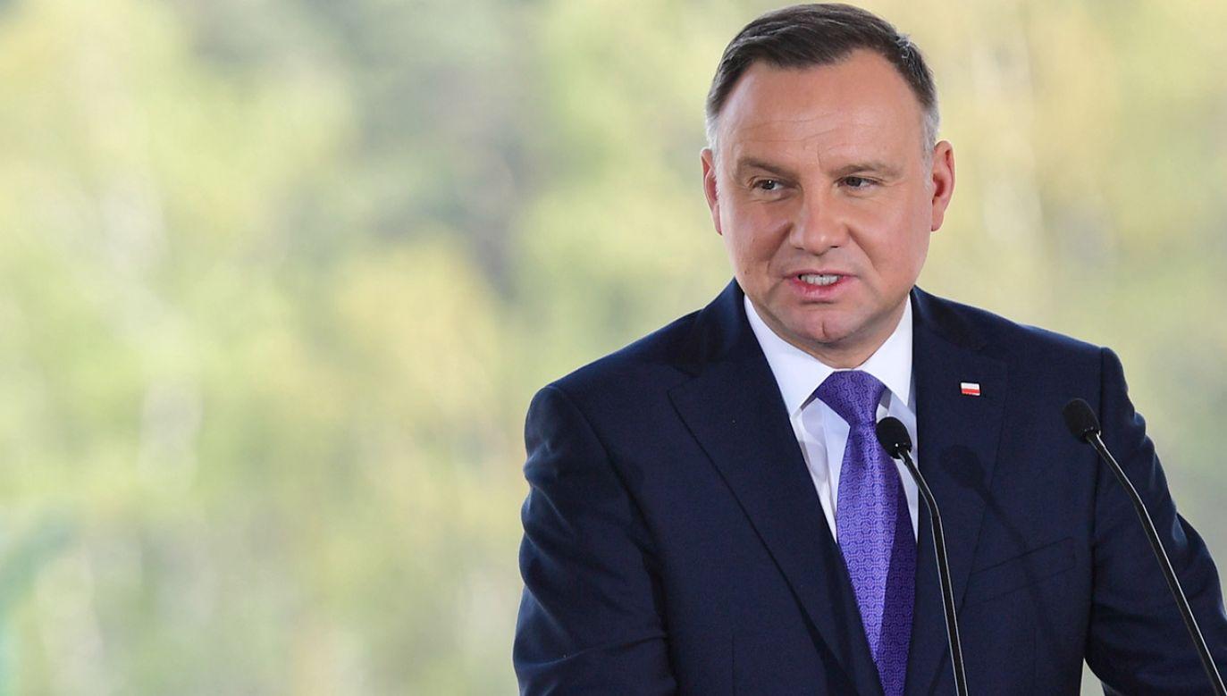 Andrzej Duda zaapelował do nauczycieli, żeby byli ze swoimi nauczycielami podczas egzaminów (fot. PAP/Marcin Bielecki)
