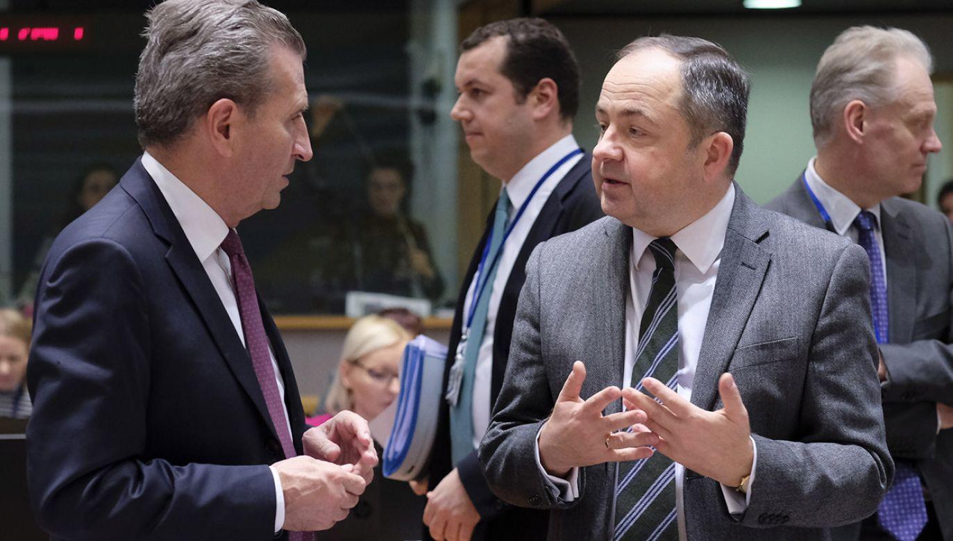 """W opinii wiceministra """"bardzo wiele państw UE chciałoby, aby procedura była bliżej wygaszenia"""" (fot. PAP/EPA/OLIVIER HOSLET)"""