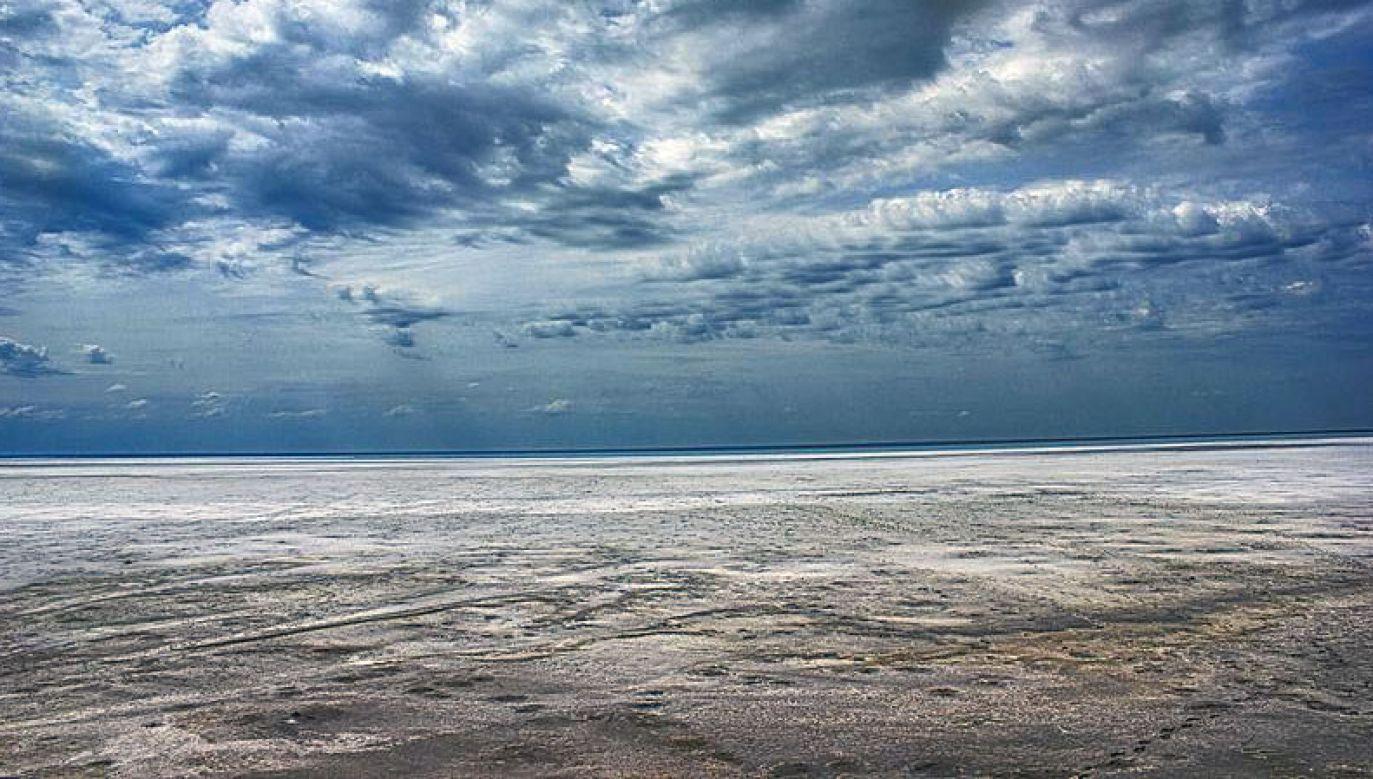 Maciej Moryc przebiegł dystans 162 kilometrów wokół słonego jeziora Elton (fot. Wikimedia.com/Вадим197)