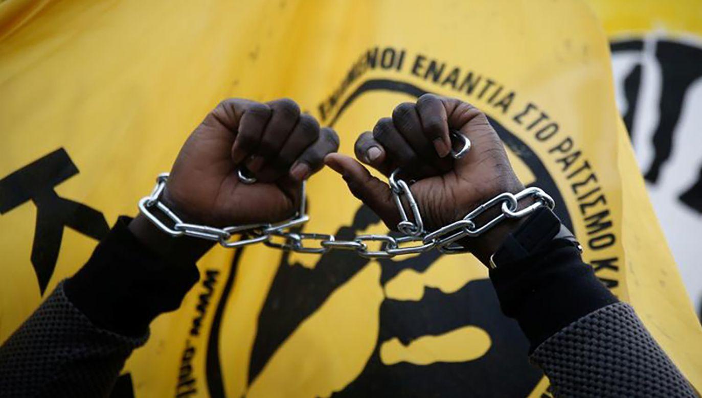 Według raportu u korzeni niewolnictwa leży przede wszystkim zorganizowana przestępczość i jurysdykcje narodowe (fot. REUTERS/Costas Baltas)