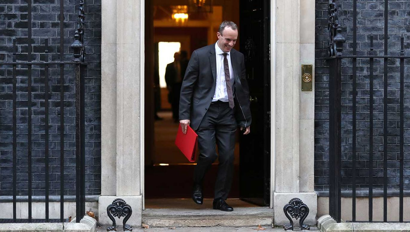 Dominic Raab porzucając swoje stanowisko ostrzegł, że umowa Wielkiej Brytanii z UE zagraża Zjednoczonemu Królestwu  (fot. REUTERS/Simon Dawson)