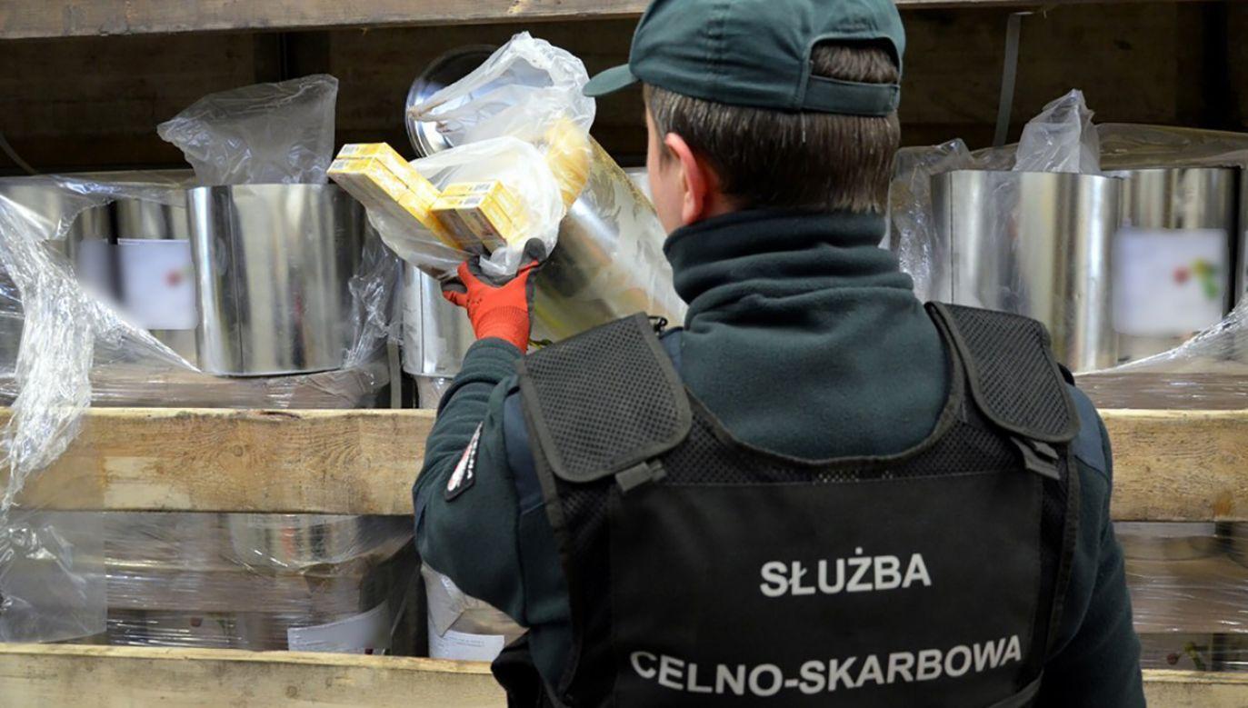 Celników przejeli towar na polsko – białoruskim przejściu w Bobrownikach (fot. Podlaska KAS)