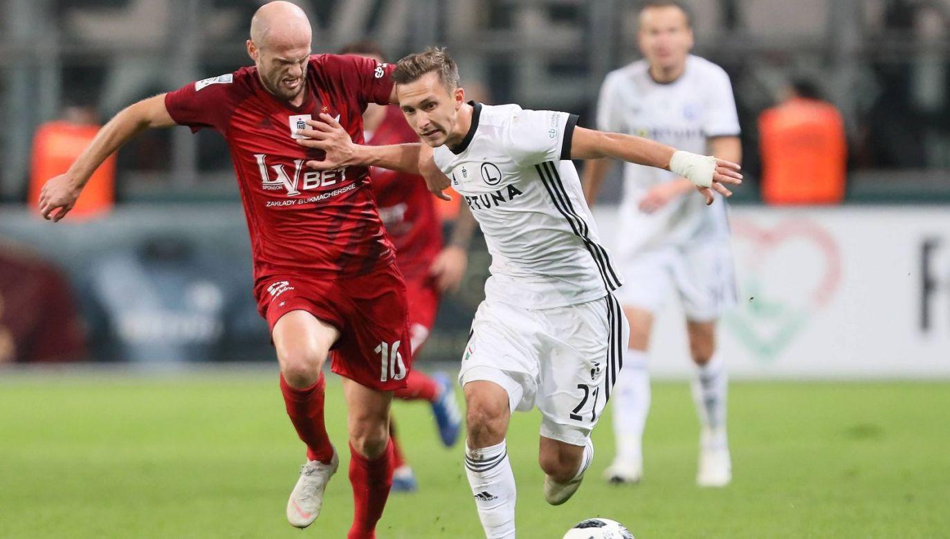 Dominik Nagy (Legia Warszawa) i Vullnet Basha (Wisła Kraków) (Fot. PAP)