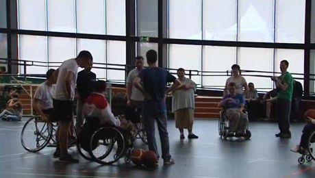 Dni Osób Niepełnosprawnych. Integracja dzieci z niepełnosprawnymi sportowcami