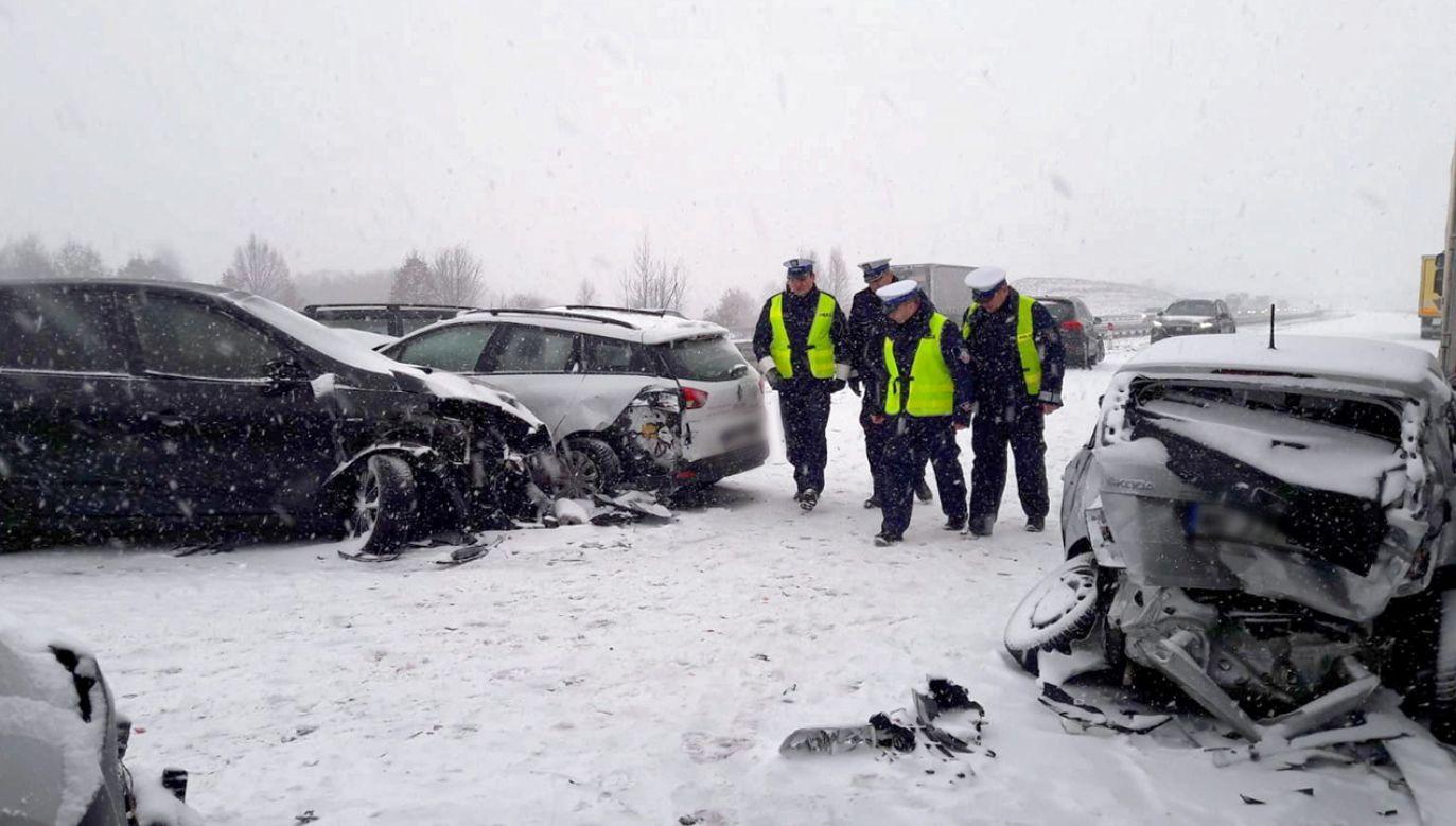 Kilka osób zostało lekko rannych (fot. PAP/Policja)