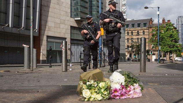 Bilans ofiar zamachu w Manchesterze wzrósł do 22 (fot. Christopher Furlong/Getty Images)