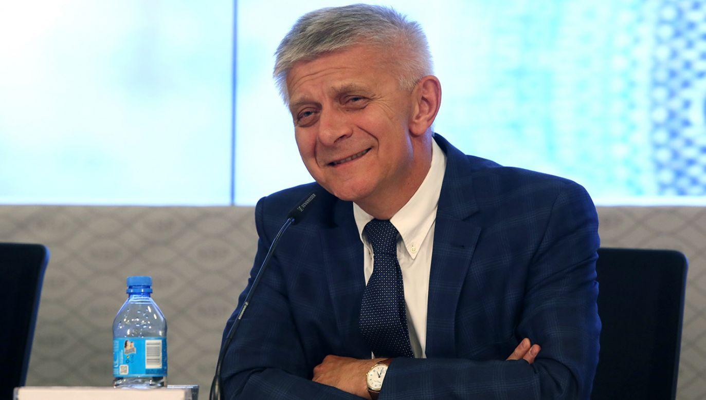 Były premier Marek Belka kandyduje z list KE do PE (fot. arch. PAP/Tomasz Gzell)