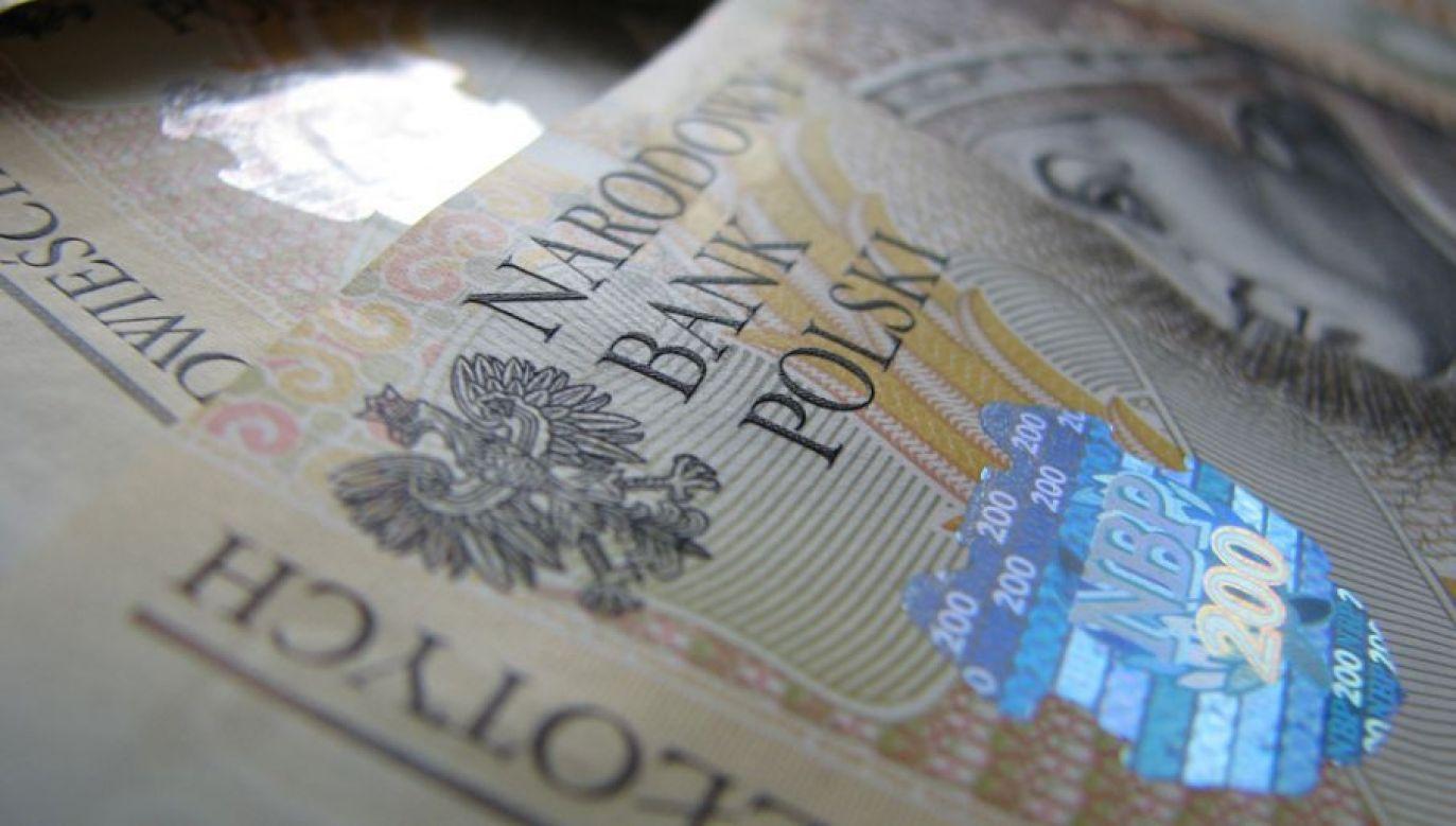 Przeciętny banknot pozostaje w obiegu 368 dni (fot. sxc.hu/mainrc)