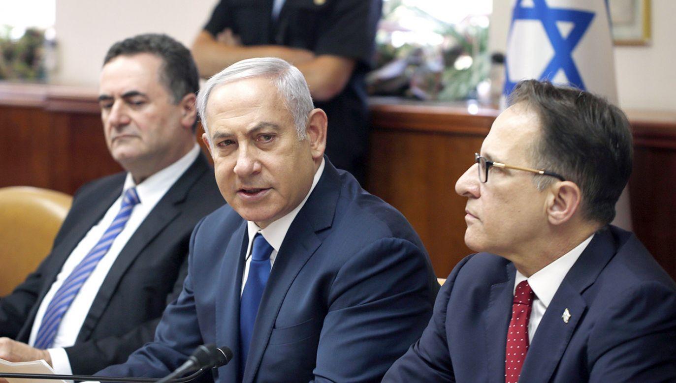 """Benjamin Netanjahu uznaje uchwalenie ustawy za """"decydujący moment w historii Izraela"""" (fot. PAP/EPA/RONEN ZVULUN)"""