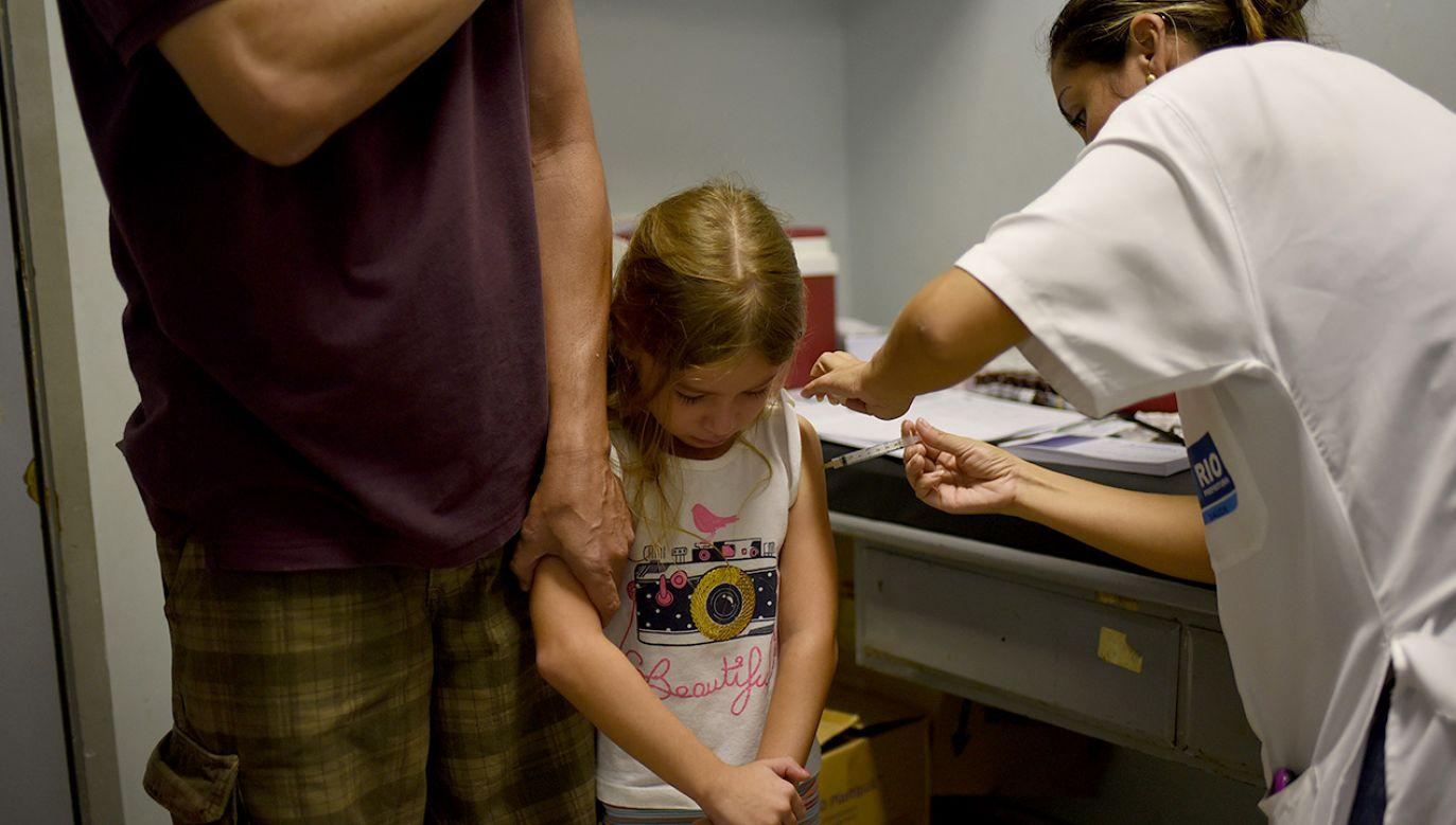 Aż 75 proc. przypadków zakażeń meningokokami występuje u dzieci do 5. roku życia (fot. FABIO TEIXEIRA/Anadolu Agency/Getty Images)