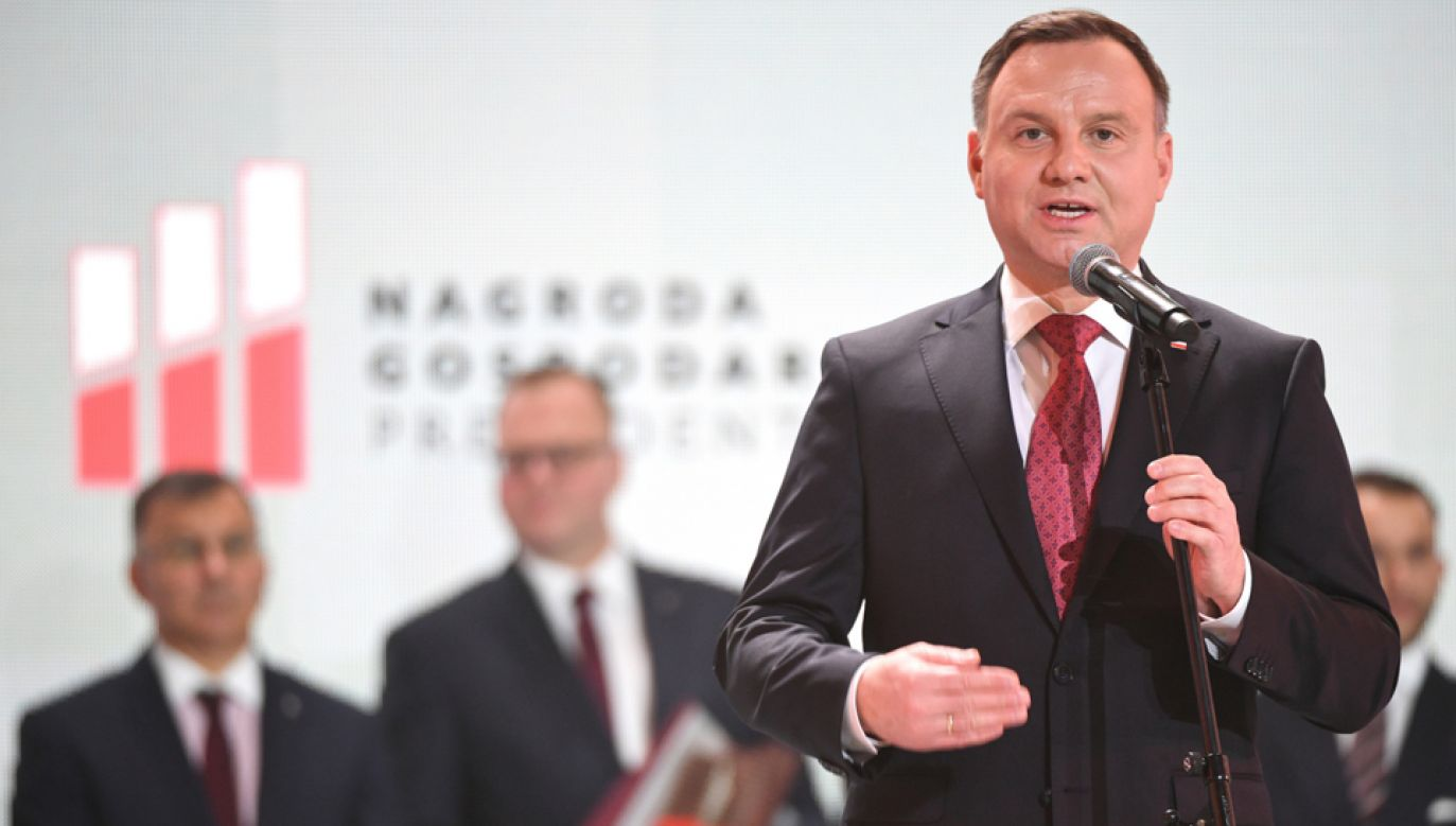 Prezydent Andrzej Duda podczas gali wręczenia Nagrody Gospodarczej Prezydenta RP (fot. PAP/Darek Delmanowicz)