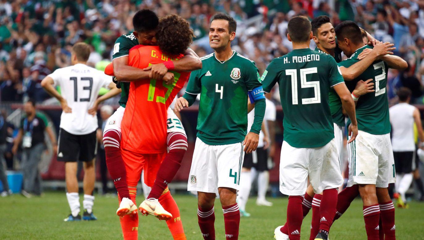 Radość meksykańskich piłkarzy po zakończonym meczu (fot. REUTERS/Axel Schmidt)