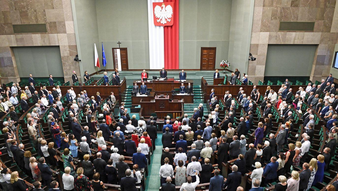 Badanie dla DoRzeczy.pl (fot. PAP/Jacek Turczyk)