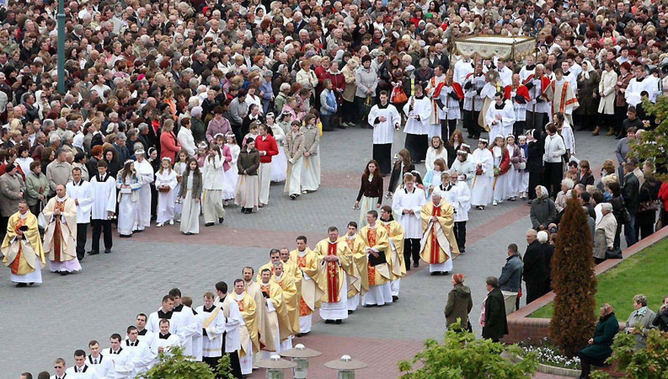 Księża z zagranicy, głównie z Polski, pomogli w odrodzeniu się Kościoła na Białorusi po rozpadzie Związku Radzieckiego (fot. wikimedia commons/Amcalister)