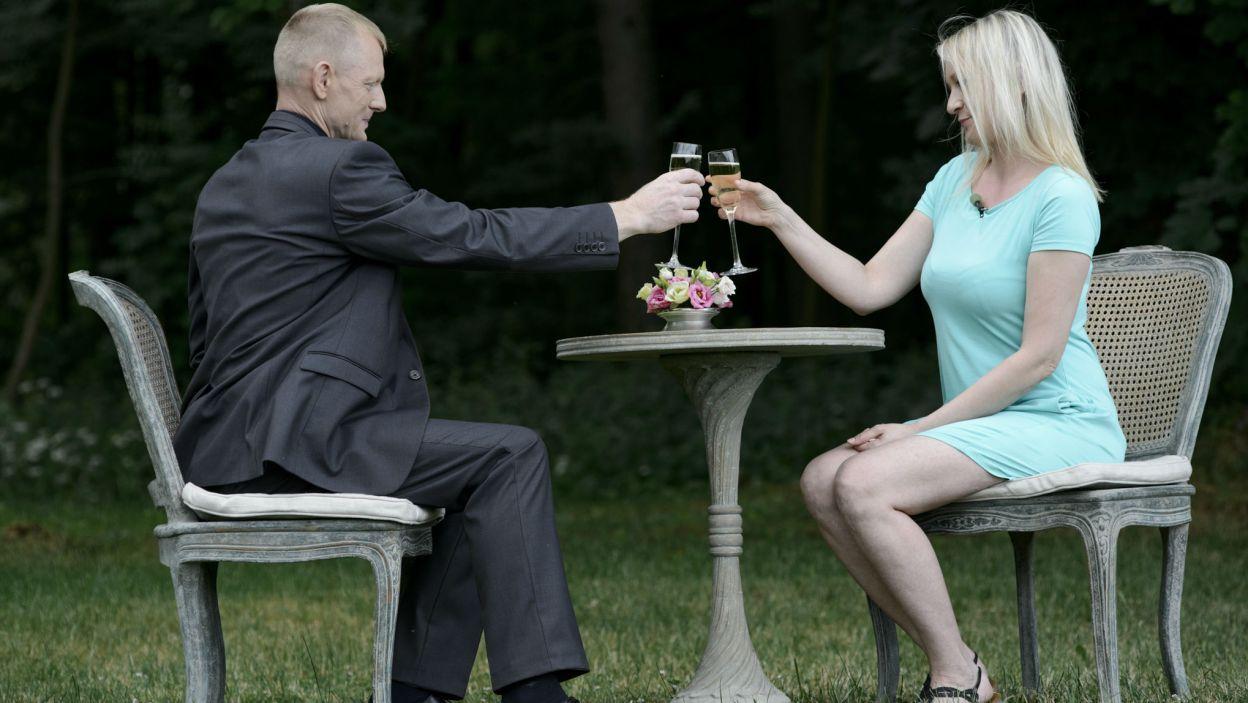 ... inni wznosili toasty za spotkanie (fot. TVP)