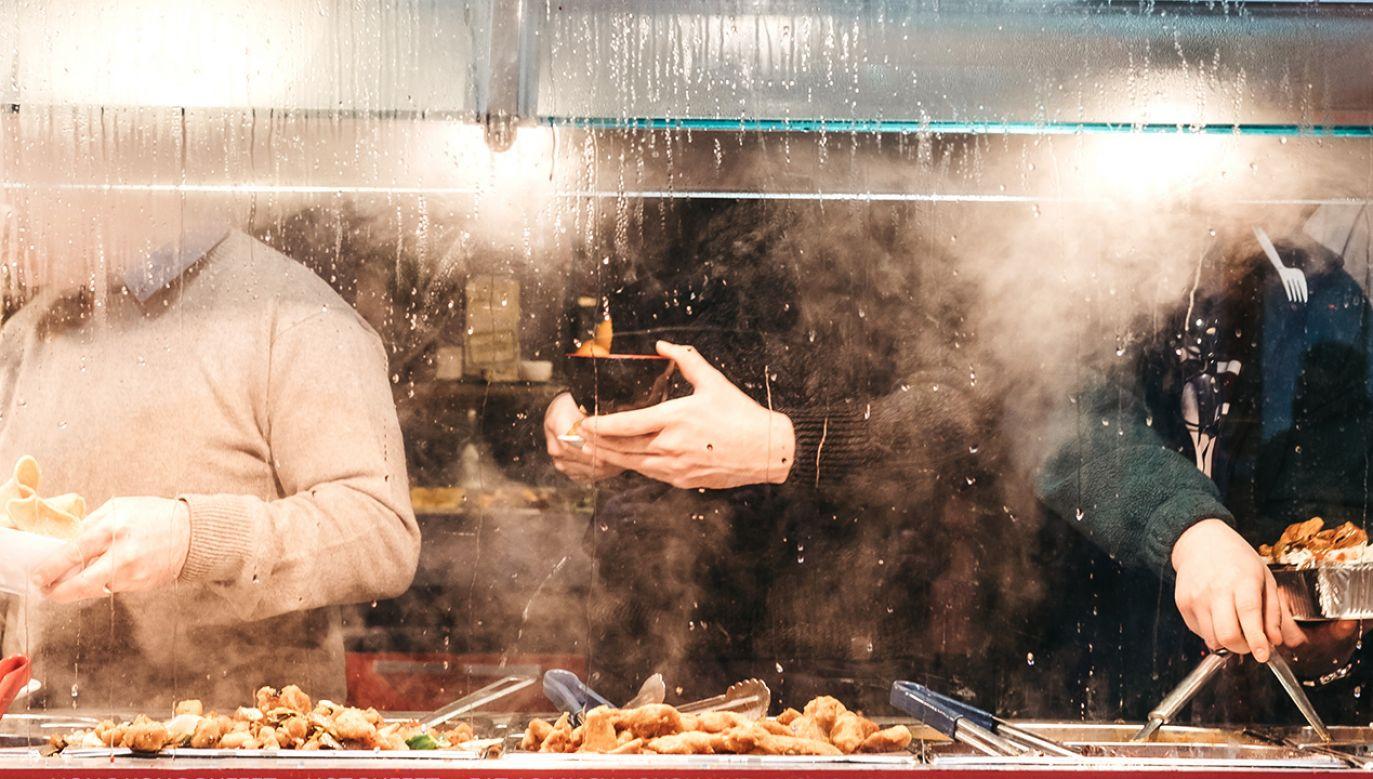 Restauracja all-you-can-eat w Chinach oferowała zbyt dobrą ofertę (fot. Shutterstock/Alena.Kravchenko)