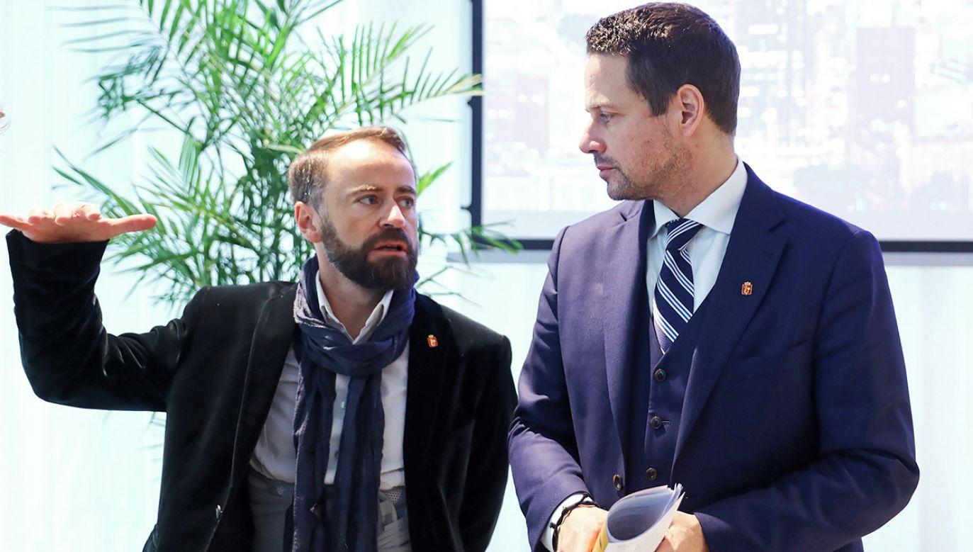 Wiceprezydent Warszawy Michał Olszewski i prezydent stolicy Rafał Trzaskowski (fot. arch.PAP/Rafał Guz)