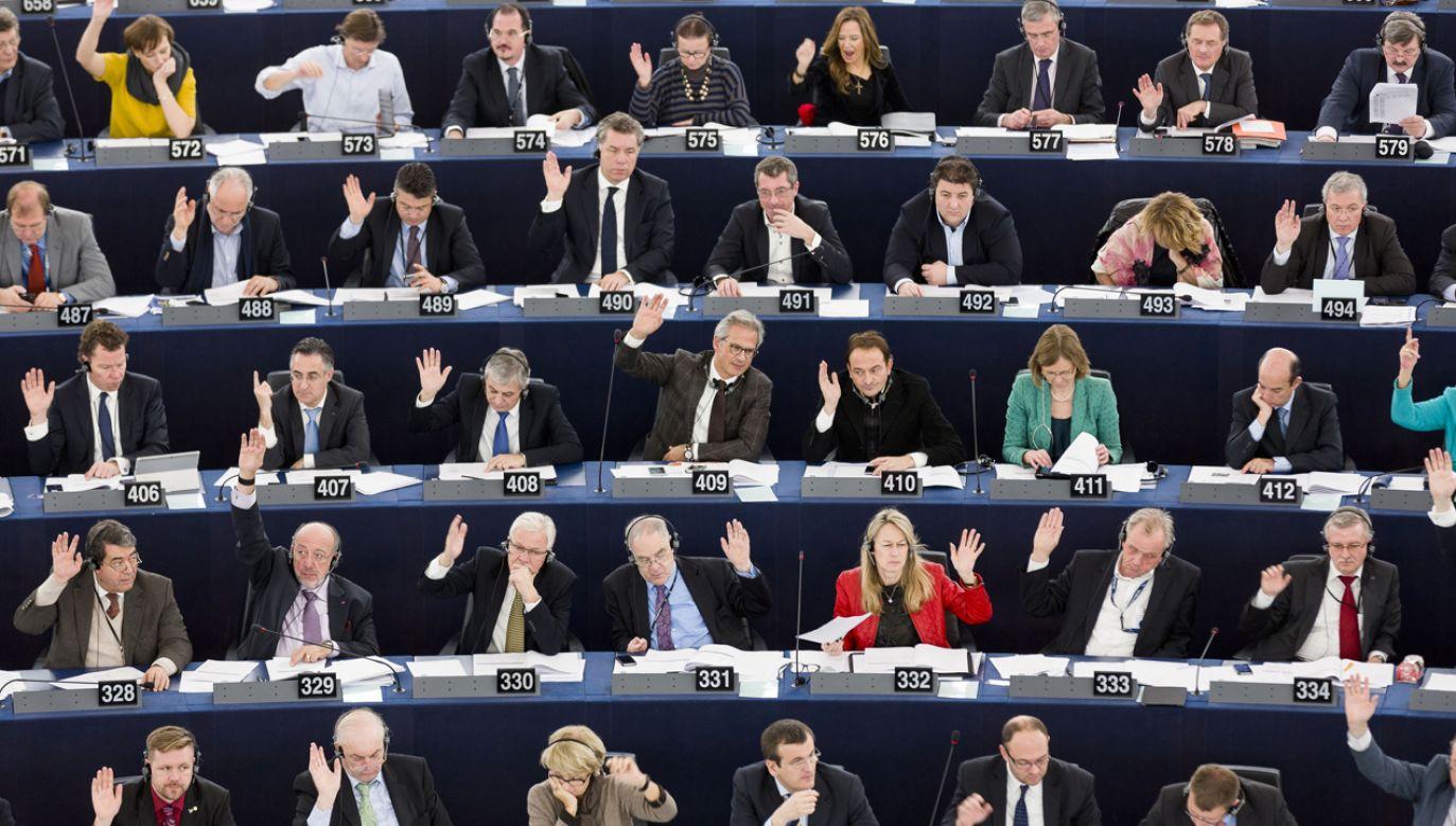 Zjednoczona Prawica zdobyłaby 22 mandaty (fot. Andia/UIG via Getty Images)