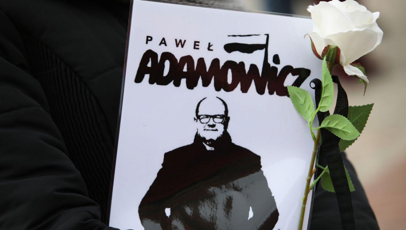 Senat zajmie się projektami uchwał upamietniającymi zmarłego Pawła Adamowicza (fot. PAP/Leszek Szymański