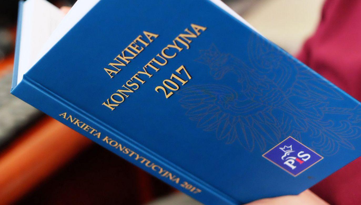 W poniedziałek zaprezentowano wyniki Ankiety Konstytucyjnej 2017 (fot. TT/Marek Kuchciński)