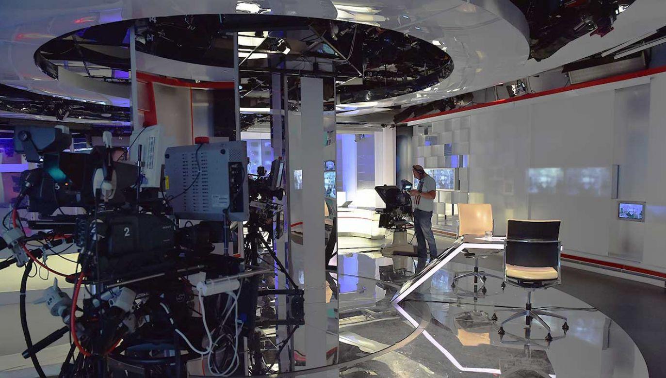 Docelowo panel badawczy KRRiT ma obejmować telewizję, radio i Internet (fot. arch. TVP/PAP/Ireneusz Sobieszczuk)