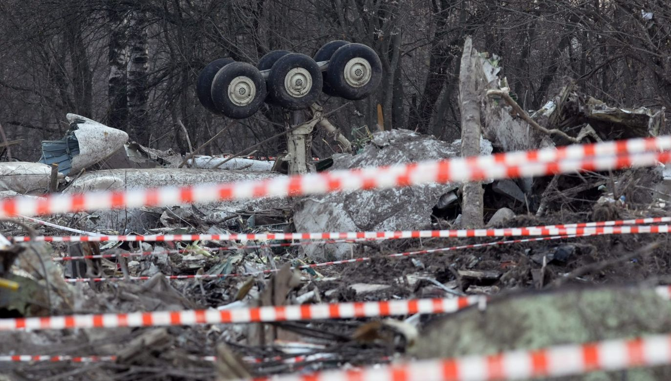 The wreckage of a Polish presidential plane that crashed near Smolensk airport, Russia, Photo: PAP/EPA/SERGEI CHIRIKOV