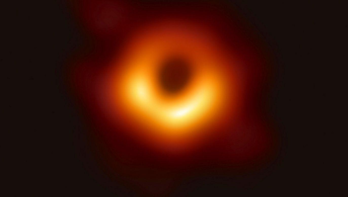 Czarna dziura w centrum Drogi Mlecznej jest obiektem obserwacji już od lat 70. ubiegłego stulecia (fot. PAP/EPA/EVENT HORIZON TELESCOPE COLLABORATION)