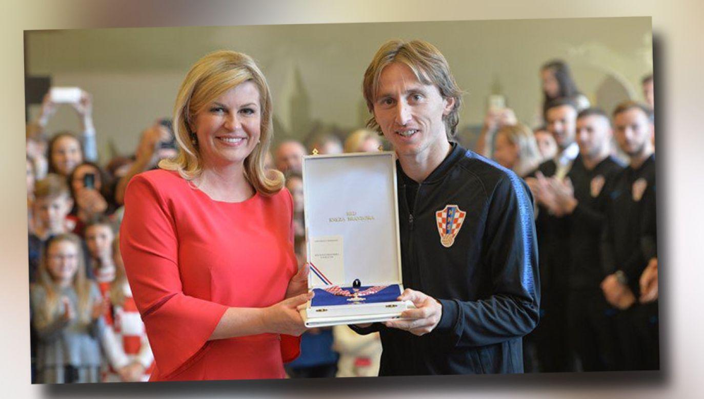 Prezydent Chorwacji Kolinda Grabar-Kitarović i as reprezentacji Luka Modrić (fot. TT/HNS_CFF)