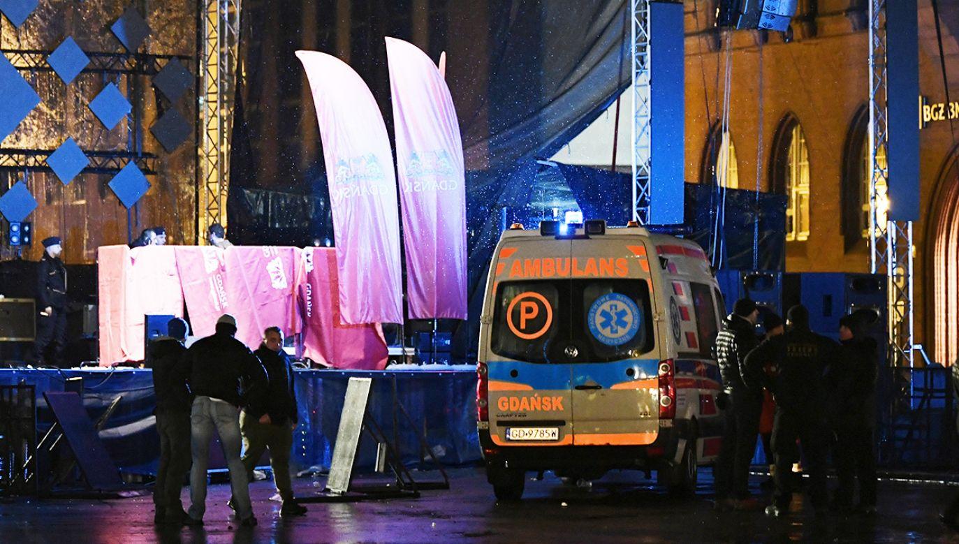 Prezydent Gdańska PaweAdamowicz został zaatakowany w niedzielę podczas finału Wielkiej Orkiestry Świątecznej Pomocy (fot. arch. PAP/Adam Warżawa)