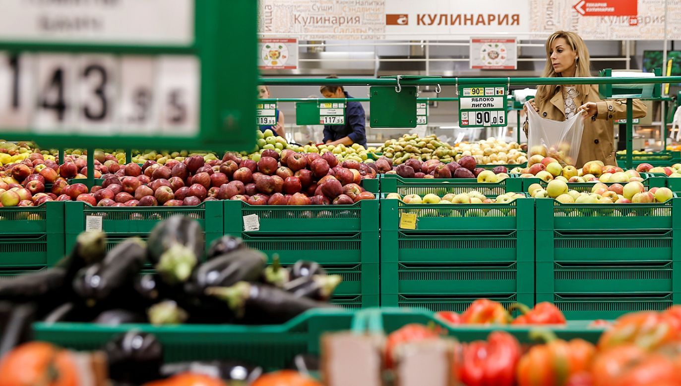 Rosjanie zarzucają Białorusinom, że wwożą na teren ich kraju produkty objęte sankcjami (fot. REUTERS/Maxim Shemetov)