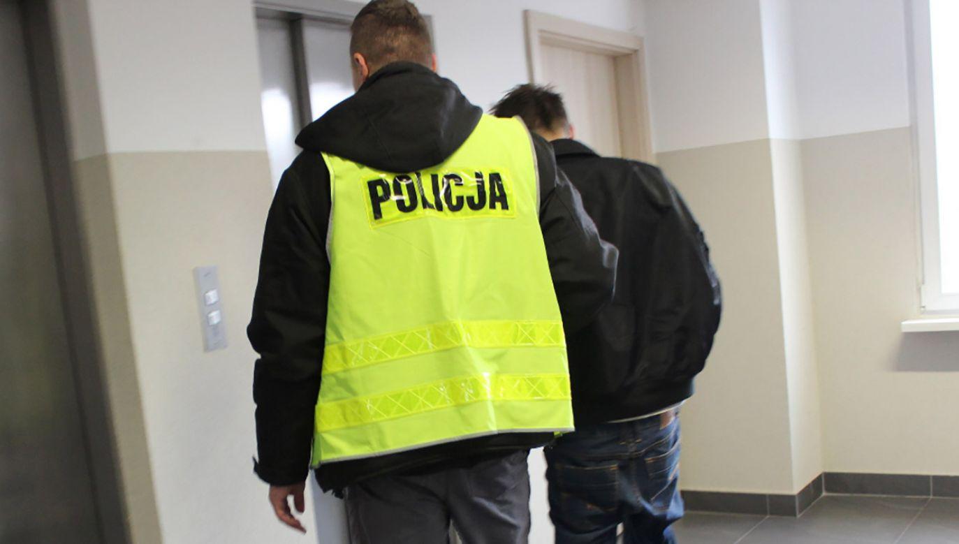 Sprawca karambolu zbiegł z miejsca zdarzenia (fot. Policja kujawsko pomorska)