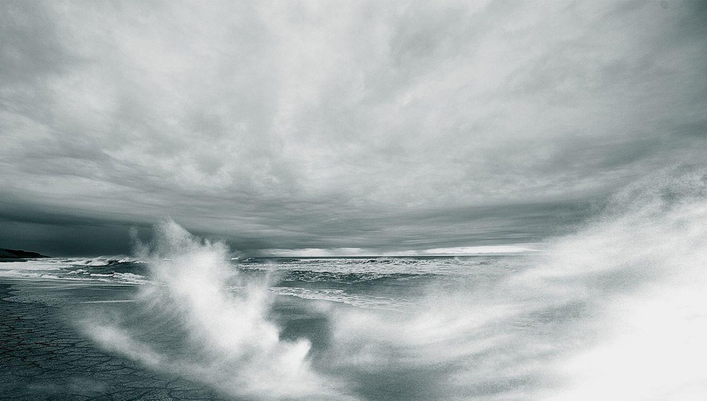 Nad morzem będzie wiał bardzo silny wiatr o prędkości do 100 km/godz. (fot. pixabay/Free-Photos)