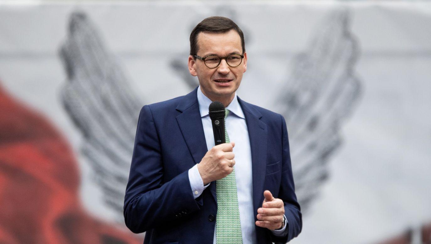 Premier Polski dał się już wcześniej poznać jako muzyk (fot. PAP/Marek Kliński )