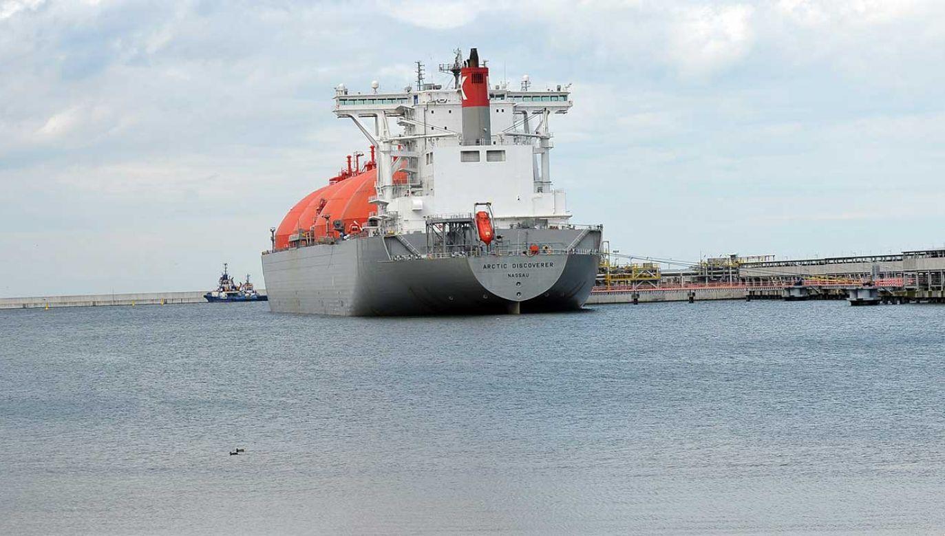 """Prezesi Venture Global LNG Mike Sabel i Bob Pender oświadczyli, że cieszą się z rozszerzenia """"strategicznego partnerstwa z Polską i PGNiG"""" (fot. arch. PAP/Marcin Bielecki)"""