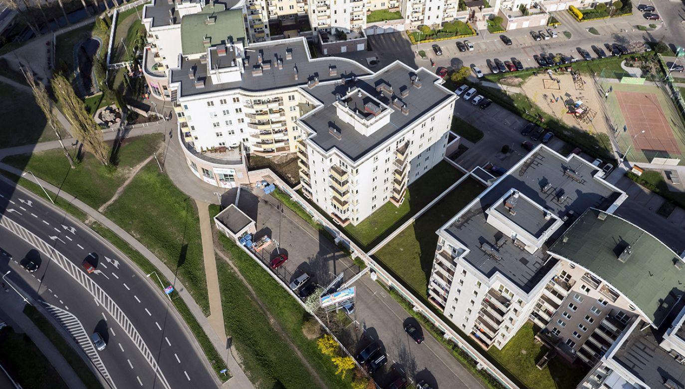 Artur Soboń poinformował, że w granicach polskich miast jest prawie milion ha tzw. grantów rolnych, które będzie można przeznaczyć pod budownictwo z programu Mieszkanie Plus (fot. Shutterstock/Robert Ejsmond)
