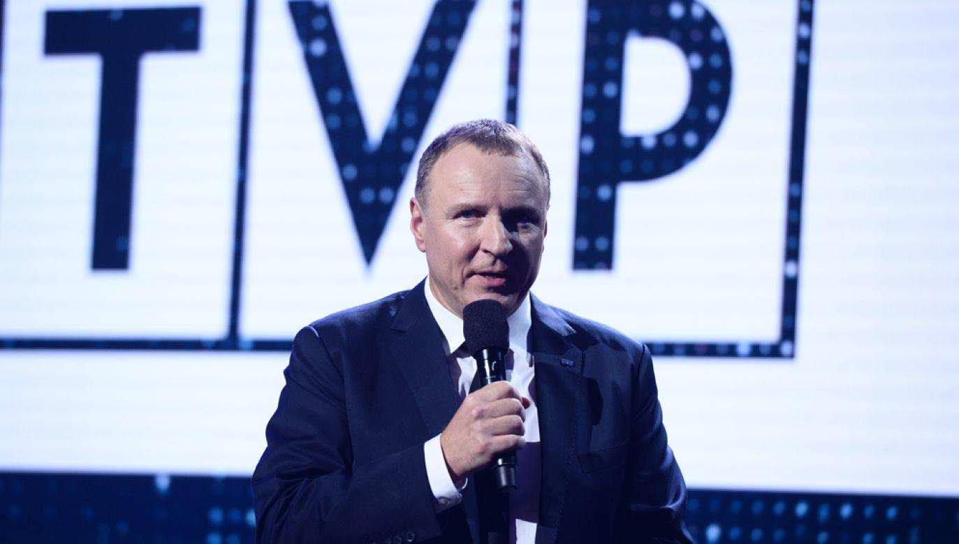"""Prezes TVP Jacek Kurski zapowiedział zawiadomienie prokuratury po ataku na reporterkę """"W tyle wizji"""" (fot. TVP)"""