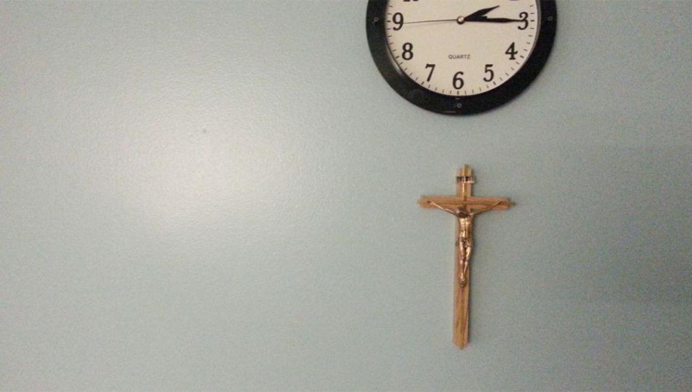 Plan ratusza zakłada zredukowanie lekcji religii do jednej godziny tygodniowo (fot. Flickr/jessie essex)