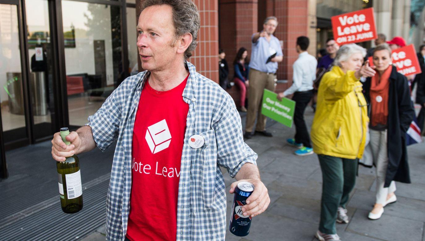Półtora litra piwa i 4 duże kieliszki wina. O czego zacząć? (fot. Chris J Ratcliffe/Getty Images)