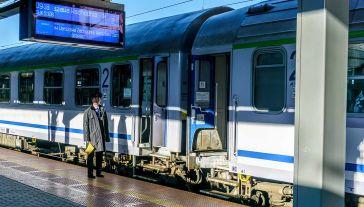 Budowa CPK, w tym nowych połączeń kolejowych, ma się rozpocząć w 2021 r. (fot. Shutterstock/OHamburgefonsz)