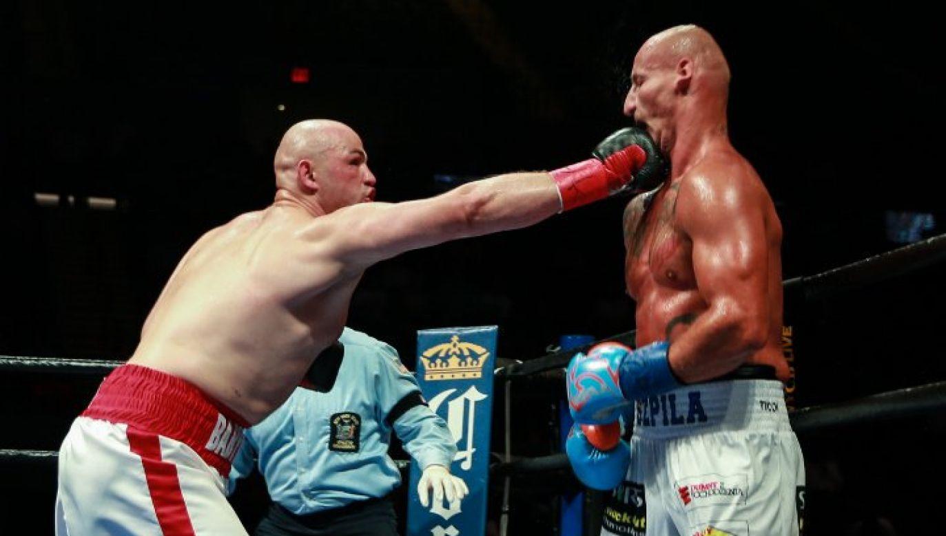 Kownacki pokonał w ub. roku Artura Szpilkę przez nokaut w czwartek rundzie (fot. twitter/boxing.scene)